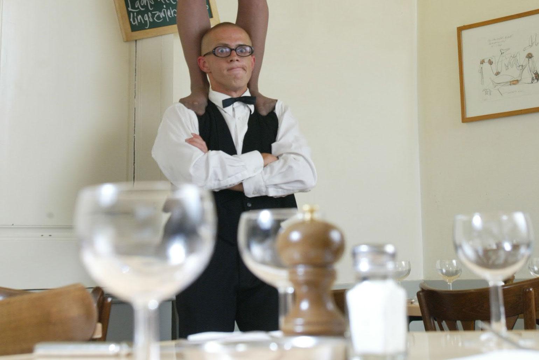 Comixnix-Nicolas-komischer-Kellner-funny-waiter