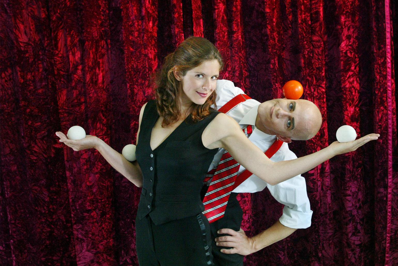 Comixnix-Sibylle-Nicolas-Comedy-Artistik-Show-entertainement-jonglage-slapstick